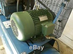 Quincy QT15 Horizontal Reciprocating Piston Two Stage Air Compressor AM19817