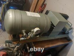 Vintage air compressor (X2 quincy pump, lesson 3/4 hp motor, Manchester, 7 gal t)